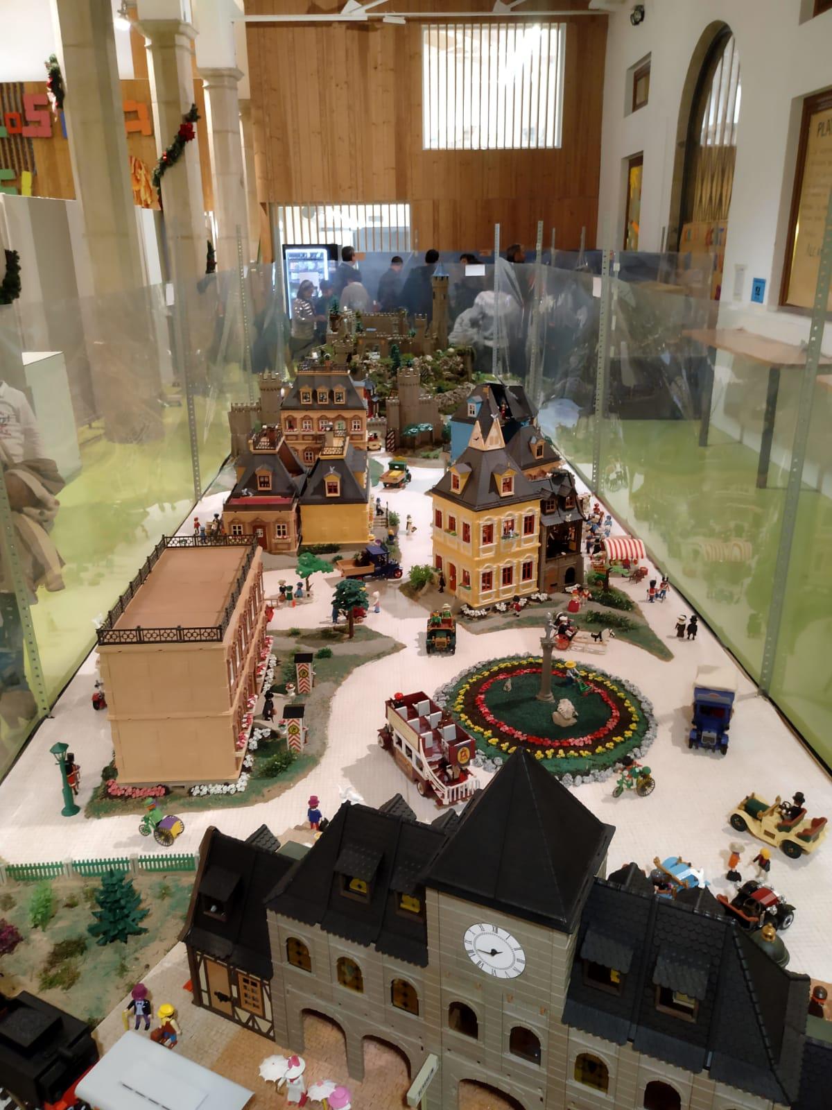 Exposicion playmobil alcañiz de tiendas 2