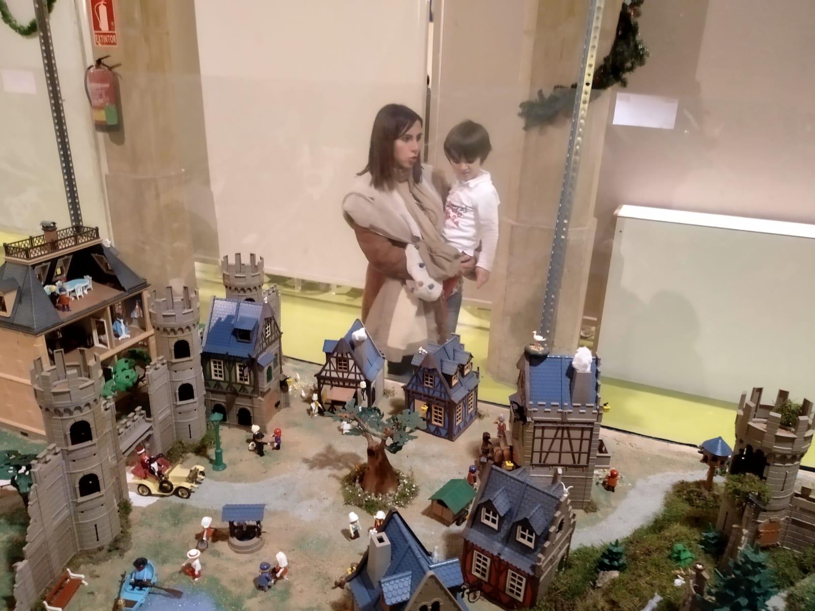 Exposicion playmobil alcañiz de tiendas